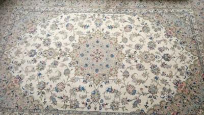 فرش دستبافت 6 متری در گروه  لوازم فرش و موکت