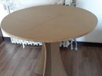میز گرد همراه با پارچه روش
